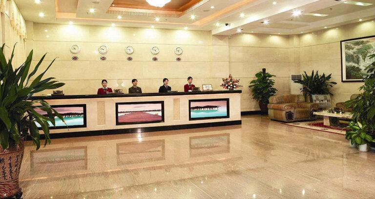 hotel digital screesns