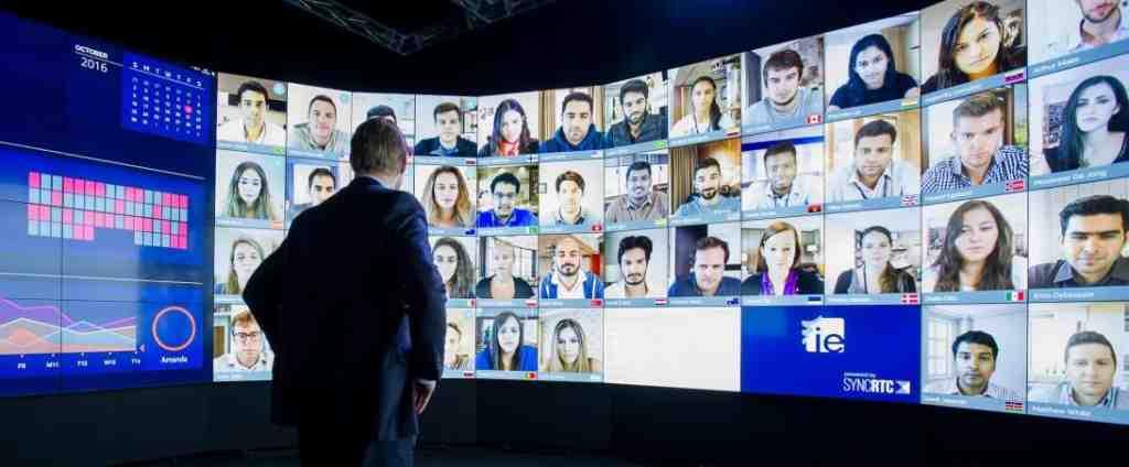virtual event social media